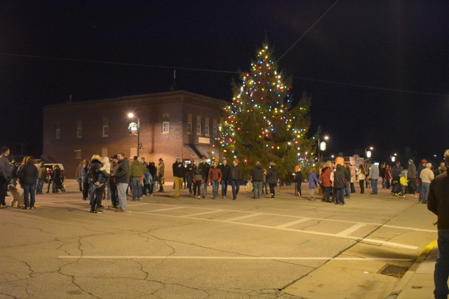 story-city-yulefest-tree-2-2016