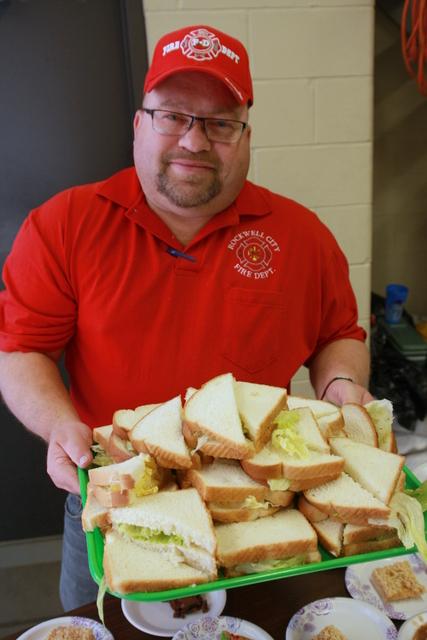 Lettuce Sandwiches