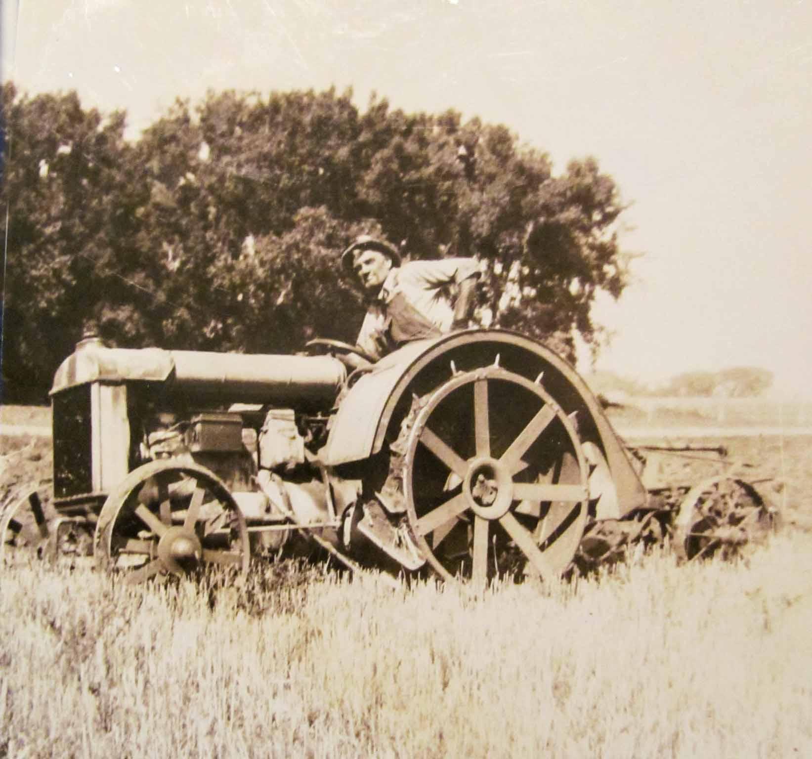 Antique Communist Farming Crop Gathering Success Agriculture Harvest Pin Badge