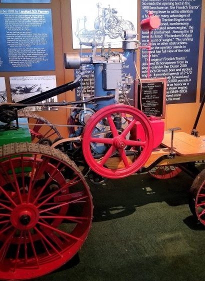 Froelich tractor Iowa ag history